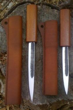 Современные эвенские ножи с ножнами
