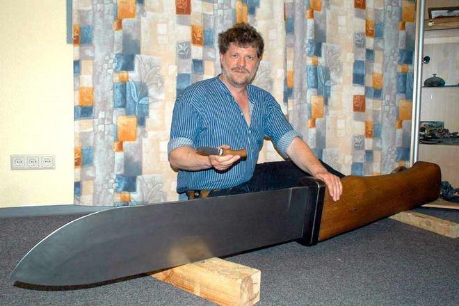 Самый большой нож