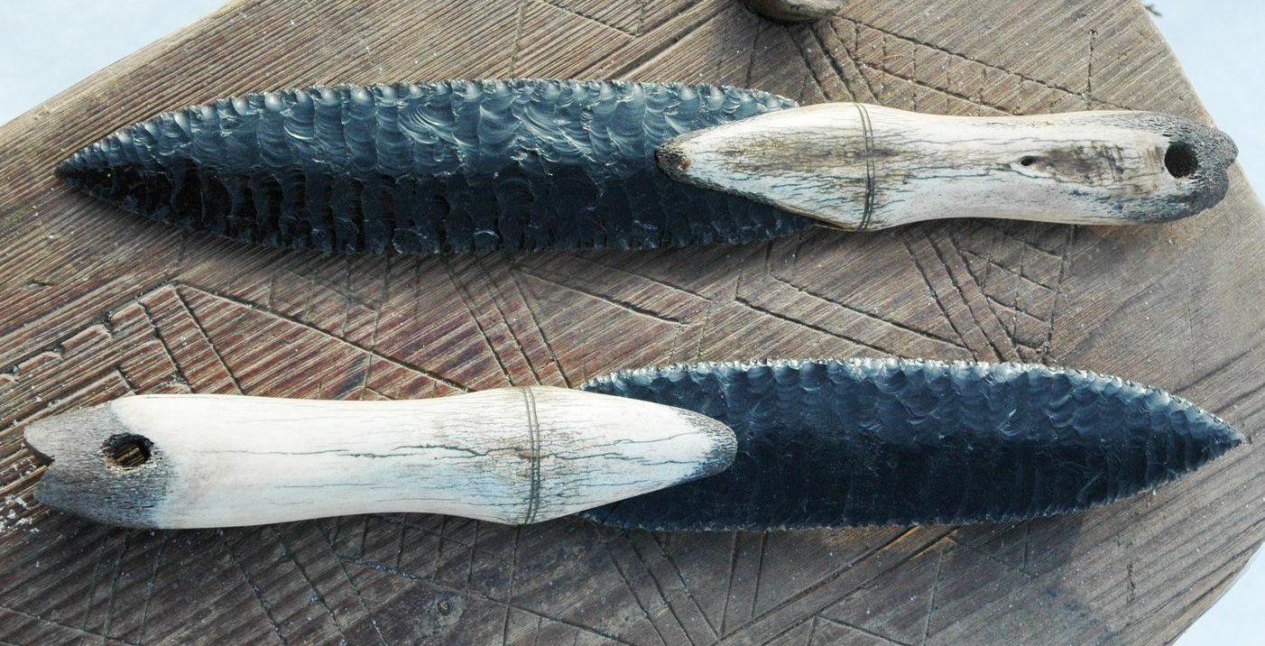 Каменный нож