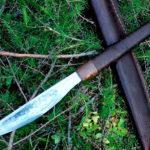 Большой тяжелый нож якута