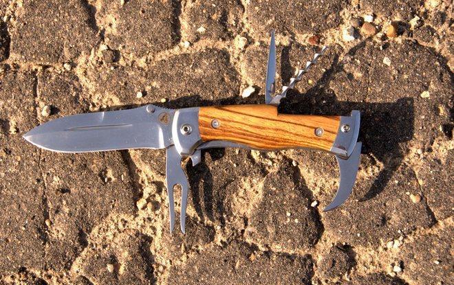 Нож туриста