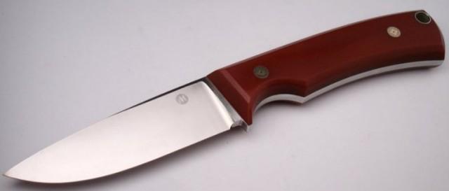 Нож с деревянной рукоятью