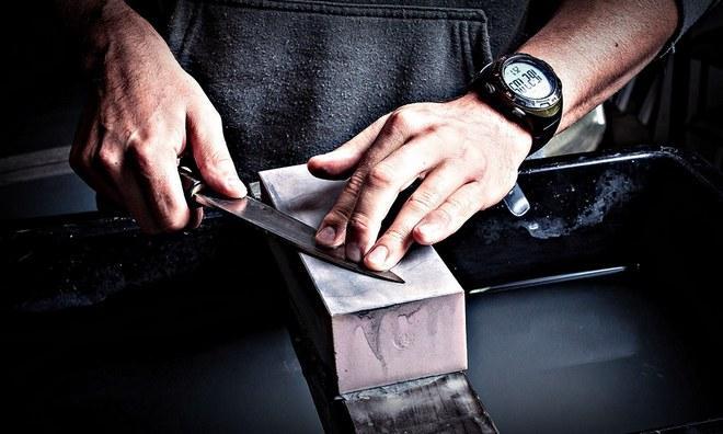 Удаление ржавчины с ножа