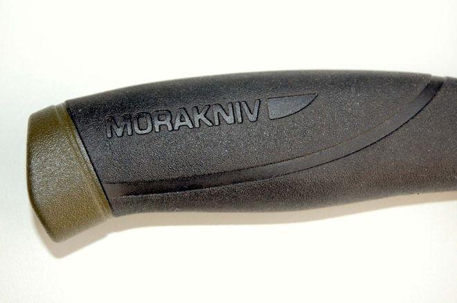 Пластиковая рукоять со слоем резины ножа mora companion