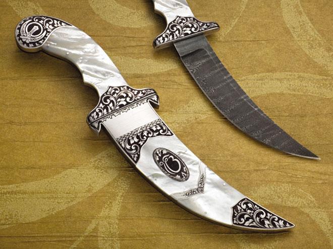 что такое нож кирпан.