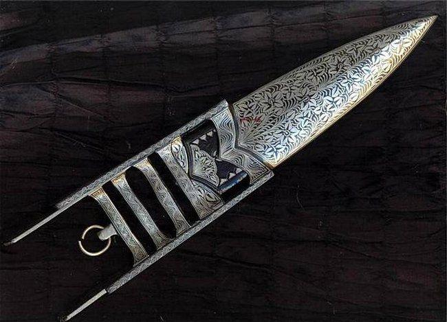 Индийский нож катар.