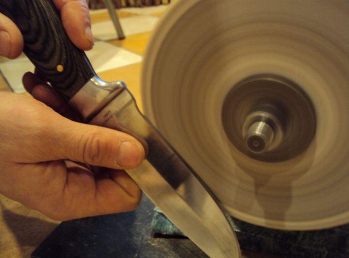 как заточить нож на наждаке.