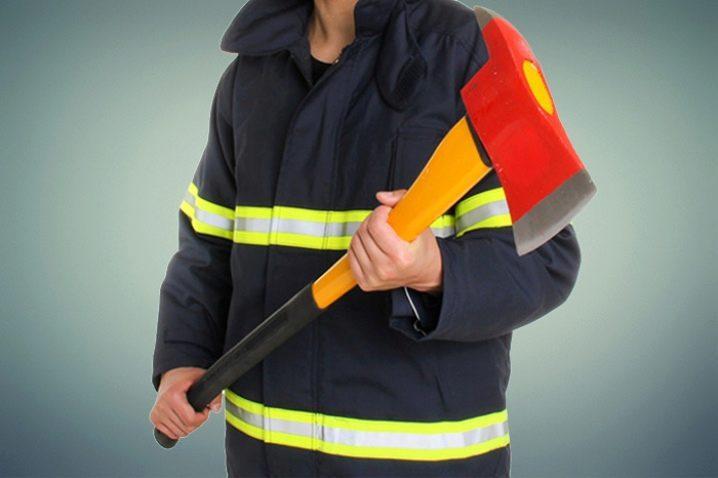 Пожарный топор.