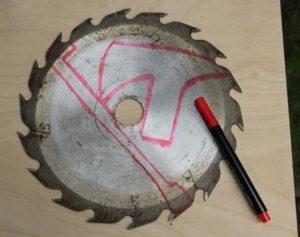 как сделать топор из диска циркулярной пилы.