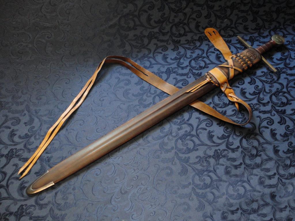 Как сделать ножны для меча.