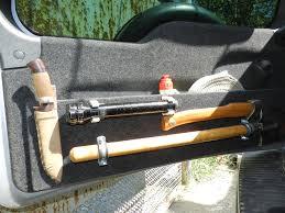 Можно ли в машине возить топор: причислить ли его к холодному оружию