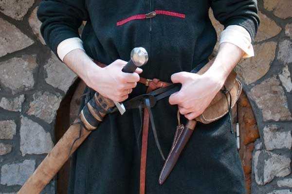 Как сделать чехол для меча.
