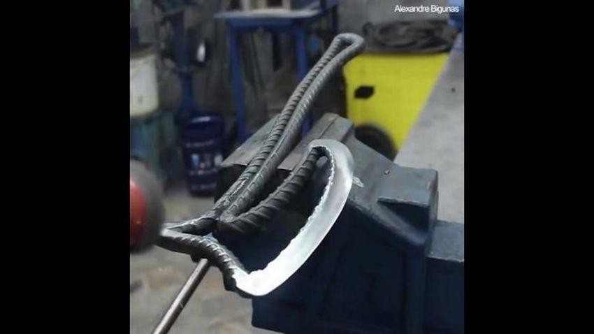 Как сделать топор из арматуры.