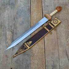 Древний меч гладиус.