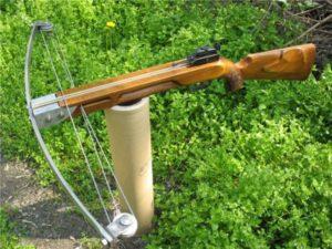 Арбалет пистолетного типа.