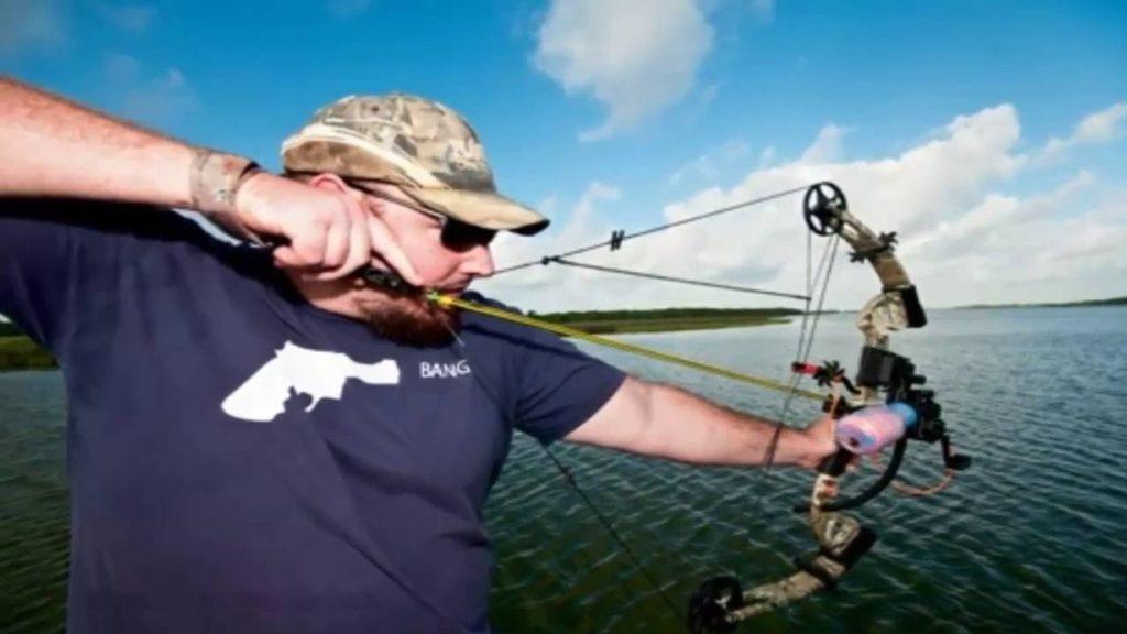 Рыбалка с луком: правила развлечения.